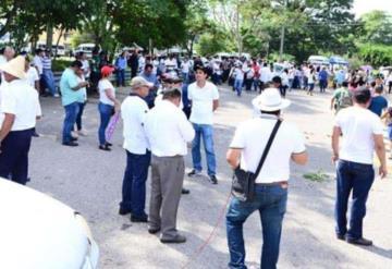 Inconformes amenazan con protesta en toma de posesión de Adán Augusto de no recibir sus pagos