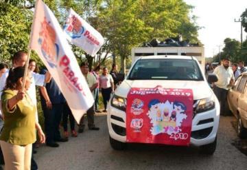 Entrega Ayuntamiento y DIF municipal juguetes en Paraíso