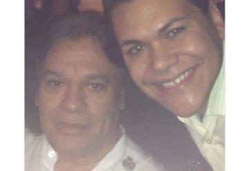 Hijo de Juan Gabriel: Mi padre está vivo y regresará pronto del más allá