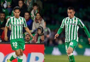 Así defendió Andrés Guardado a Diego Lainez en la cancha