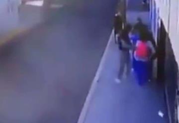 Así defendió esta chica a sus amigas de asaltantes que les apuntaban con arma de fuego