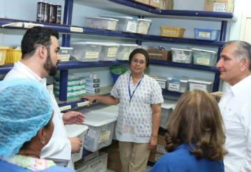 Supervisa Adán Augusto López el servicio del Hospital Gustavo A. Rovirosa