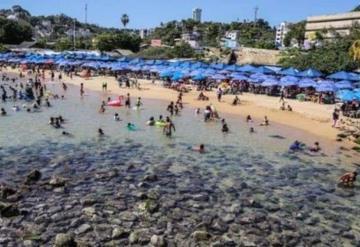 El mar retrocede 20 metros en playas de Acapulco