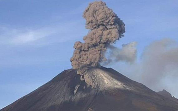 El Popocatépetl lanza fumarola de un kilómetro de altura
