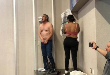 Manifestantes se desnudan en el Congreso de Sonora