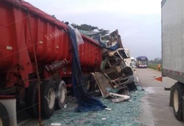 ¡Accidente!: Dos tráiler chocaron esta mañana sobre la Cárdenas-Coatzacoalcos kilómetro 93