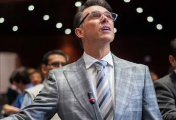 Lo vuelve a hacer... Sergio Mayer pide respeto para Yanitza VIDEO