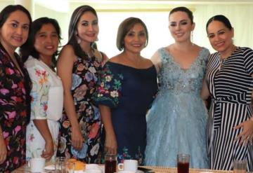 Comalcalquenses realizan desfile de modas en apoyo a Elena Capitaine