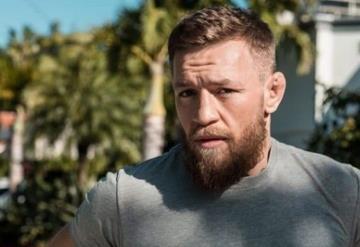 Conor McGregor es arrestado por robarle el celular a un fan y romperlo