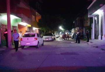 VIDEO: Acribillan a balazos a hombre mientras viajaba con sus hijas a bordo de un auto en Gaviota