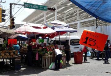 Piden reubicar a ambulantes del Mercado Pino Suárez