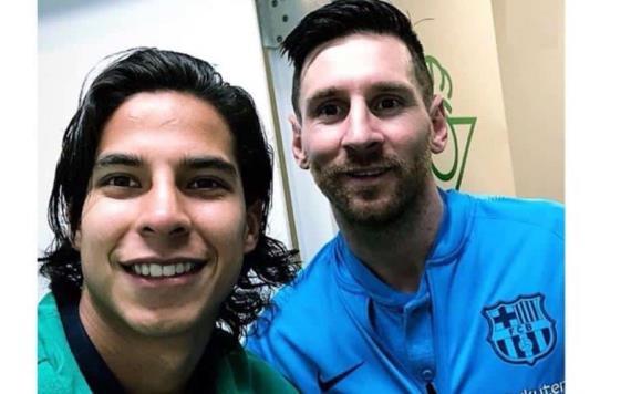 El tabasqueño Diego Lainez presume foto con Lionel Messi