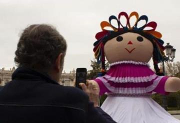 Muñeca mexicana conquista Londres