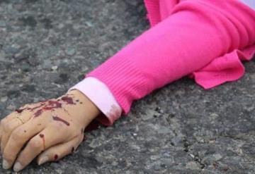 Asesinó a su hijastra y la entierra en el patio de su casa