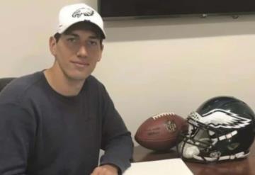 Mexicano firma con equipo de la NFL