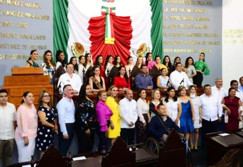 #Fotogalería Visita de las embajadoras al Congreso del Estado