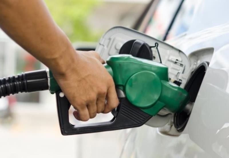 Precios de las gasolinas podrían bajar este año; EU pone la mesa a AMLO