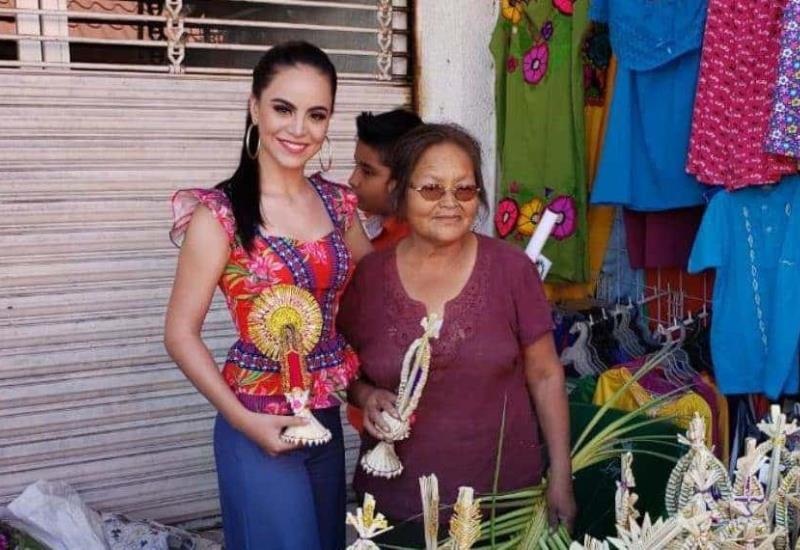Recorre la embajadora de Huimanguillo, Valeria Chablé Matus, las calles de su municipio