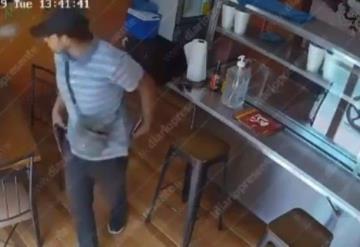 Con pistola en mano asaltan a dos mujeres en un restaurante de Villahermosa esta tarde