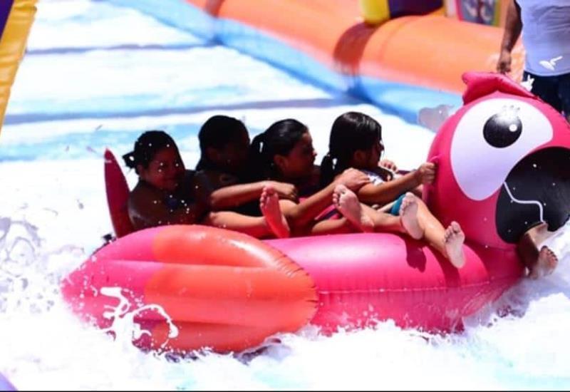 Así disfrutan villahermosinos el tercer día del deslizador acuático en Mina