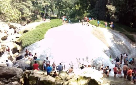 Miles visitan Agua Blanca en Semana Santa