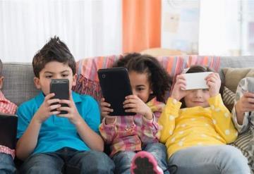 Menores de 5 años de edad no deben pasar mucho tiempo frente a pantallas: OMS