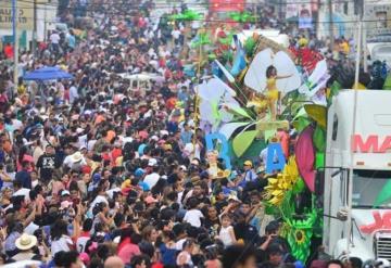 #Fotogalería Así se vivió el Desfile de Carros Alegóricos 2019
