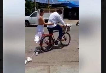 Carlos y Arlet, la pareja que es tendencia en redes sociales por peculiar boda; son de Tabasco