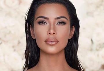 Está aquí y es perfecto, Kim Kardashian revela foto de su cuarto hijo