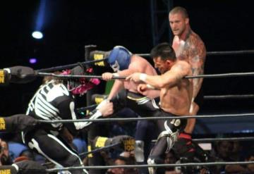 Vence Blue Demon Jr. a la Parka en la estelar de la Lucha Libre AAA en Tabasco