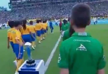 VIDEO: Niño se vuelve viral tras echar maldición a Tigres en la Final contra León
