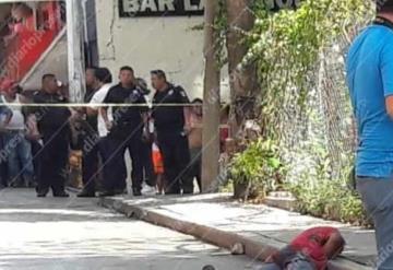 Ejecutan a balazos a un hombre a las afueras de un bar en Palenque, Chiapas