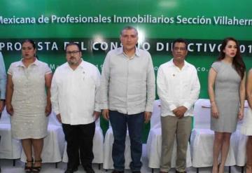 Toma protesta Adán Augusto López a nueva mesa directiva de la AMPI