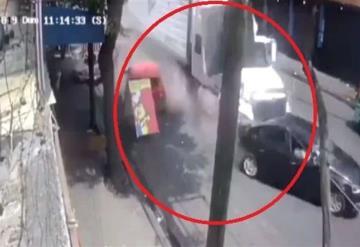 Momento exacto en que tráiler embiste 13 autos en  Ciudad de México