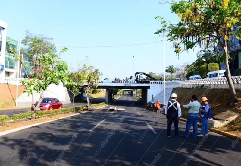 Inicia demolición de puentes de tridilosa en Tabasco 2000, así luce la zona