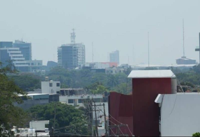 Bruma cubre la ciudad de Villahermosa