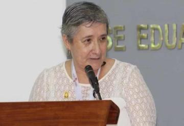 Entregan medalla al Mérito de la Defensa al Medio Ambiente a la Dra. Lilia María Gama Campillo
