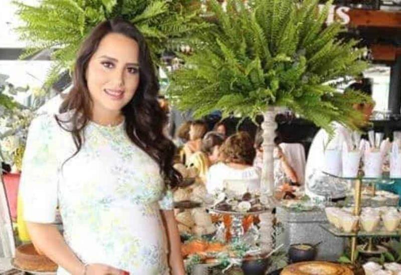 Bellísima mamá:  Jade Suárez