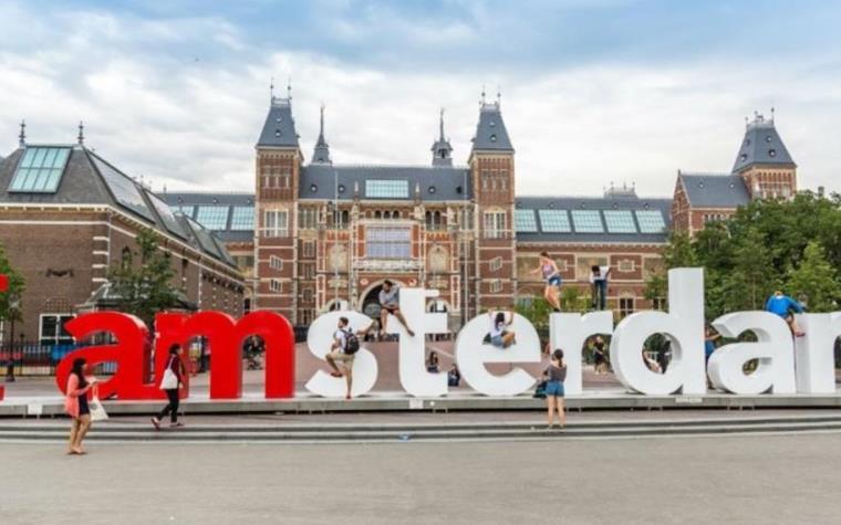 Resultado de imagen para Ámsterdam ofrece casarte por un día con un holandés para explorar la ciudad