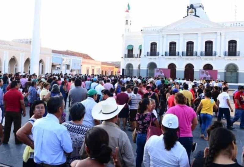 Apoyan a Andrés Manuel desde Plaza de Armas