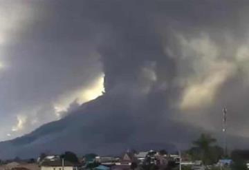 Así fue la gran explosión del volcán Sinabung en Indonesia