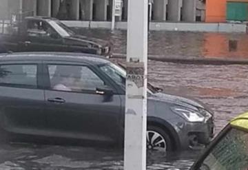 Av. Adolfo Ruiz Cortines a la altura de Plaza Olmeca, la zona más afectada por lluvias