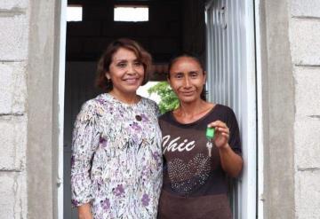 Ya son 400 las familias de Comalcalco beneficiadas con el programa de mejora viviendística Calli-Co