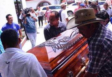 Despiden a la periodista Norma Sarabia, asesinada el martes en Huimanguillo