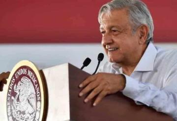 AMLO promete poner orden si no cumplen reducción del IVA y el ISR