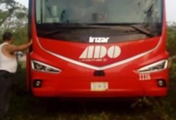 Violento asalto a camión de ADO, pasajeros y chofer fueron despojados de sus pertenencias de valor