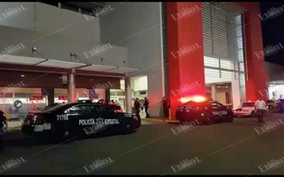 Se reporta fuerte movilización policiaca en el estacionamiento de la plaza comercial Soriana.
