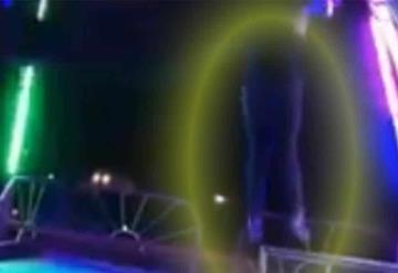 ¡Impactante! Mujer se cae de juego mecánico en feria de Juárez