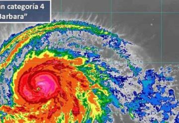 Huracán Barbara ya es categoría 4