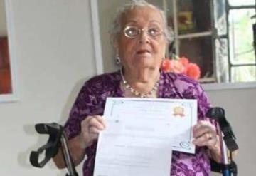 Nunca es tarde, tiene 99 años y acaba de terminar la primaria